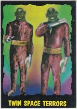 OUTER LIMITS 1964 TOPPS (BUBBLES, INC) VINTAGE CARD #28 TWIN SPACE TERRORS