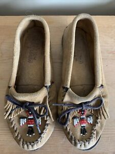 Minnetonka Moccasins Brown Leather Size 9 Beaded Eagle Thunderbird