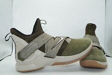 Nike Lebron Soldier XII EU 47,5 US 13 Sportschuhe AO2609-300 Olive Grün