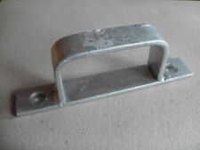 Galvanised D bracket receiver for gate bolts latches