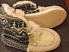 SLIPPERS Women Small ankle Bootie w/ gripper soles NEW