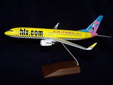 HAPAG LLOYD EXPRESS  HLX.COM  CAGLIARI  737-800 SKYMARKS EXECUTIVE  DESK MODEL