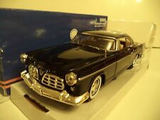 AMERICAN MINT MOTOR MAX CHRYSLER 300 1955 1/24 SCALE  IN  BOX.