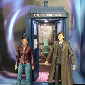 Doctor Who Talking TARDIS Money Box with Sound Effects and Flashing Light Toy