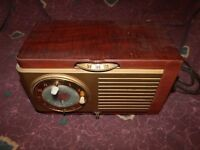Vintage General Electric model 521F Bakelite tube AM Radio works *Worldwide*