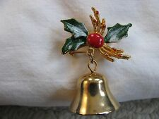 VINTAGE GOLD TONE DANGLING CHRISTMAS BELL WITH ENAMEL HOLLY LEAVES BROOCH PIN