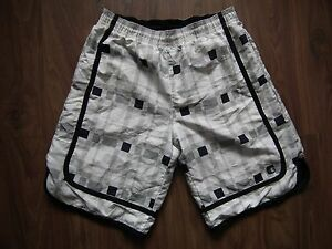 And1 checkered Basketball Shorts Size M/M
