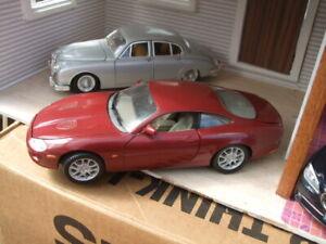 1/18 Jaguar XKR  by Solido