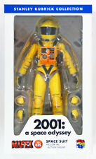 Medicom MAFEX 035 Space Suit Yellow Version 2001 A Space Odyssey 4530956470351