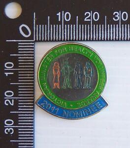 OLD 2011 MINISTER FOR HEALTH VOLUNTEER AWARDS METAL LAPEL COAT HAT PIN BADGE