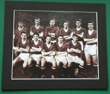 "1960'S MANCHESTER UNITED  AUTOGRAPHED PICTURE 12"" x 10"" MOUNT. SIGNED BY 5."