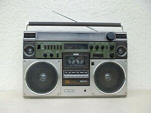 GHETTOBLASTER   HITACHI TRK - 8600 E   STEREO RADIO CASSETTEN RECORDER