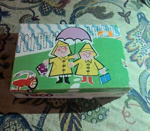 Vintage TUCO Picture Jigsaw Puzzle 30 Piece Raincoats umbrella kids Series 8373