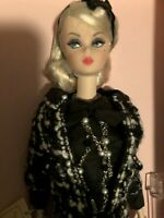 "Breathtaking 2015 ""BOUCLE BEAUTY""  Silkstone Barbie Dressed Doll Nrfb !!"