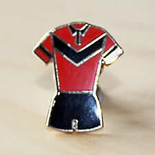 RED & BLACK RUGBY LEAGUE V STYLE KIT ENAMEL BADGE - SALFORD COLOURS