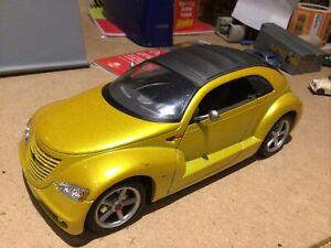 Chrysler Pronto Cruizer 1:18 Diecast Model Car Maisto