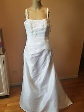 David's Bridal wedding dress size 8 white spag strap sryle SAS 1207 NWTs