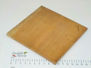 Quarter Sawn Figured Lacewood wood board. 137 x 140 x 6mm. Pyrography craft 3744