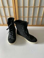 UGG WOMENS BLACK SUADE QUILTED SHEARLING HIGH TOP SNEAKERS MINT SZ 7