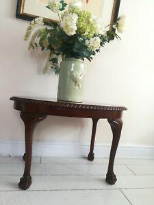 Antique Oval Coffee Table Claw Ball Feet Queen Anne Legs Pie Crust Edge