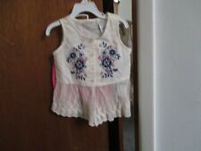 GUESS GIRLS 2 PC SET TOP IS IVORY  STRETCH SHORTS ARE PINK SIZE 3T
