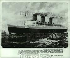 1980 Press Photo Queen Mary ocean liner painting by Jack Gray - hcx41580