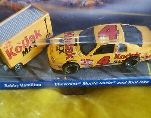 1998 Team Hot Wheels Pit Crew Bobby Hamilton #4 Kodak Chevy Car W/ Toolbox