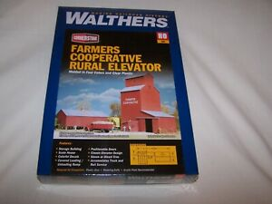 Farmers Cooperative Rural Elevator HO Kit - Walthers Cornerstone #933-3036