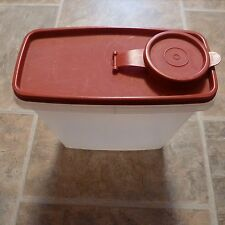 Tupperware Cereal Storage Container 469 with Red Lid 471