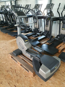 TECHNOGYM Excite 700 Wave LED - mit stabilem Netztanschluss - Fitness Studio Gym