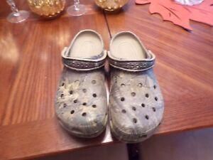 Men's Crocs Size M-13 Camo