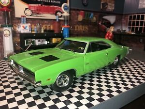 1969 DODGE CHARGER HEMI 426,MOPAR STREET MUSCLE CAR 1:24 FIRST GEAR RALLYE GREEN