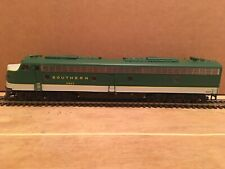 HO Proto 2000 Southern E8/9 A Unit Diesel Locomotive SOU #2923 Needs Work