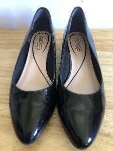 Easy Steps Janine Sz 8C Black Pointy Shoes Flats