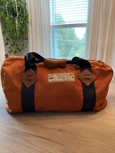 Vintage USA made Wilderness Experience hiking duffle travel bag Chatsworth Cali