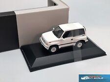 Suzuki Escudo 4х4 1992 white Premium X PRD327 1:43