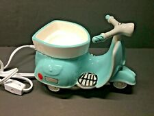 Scentsy AROUND TOWN Scooter Wax Warmer ! Super Cute! Tiffany Blue Rare