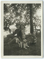 photo snapshot 1921 fillette heureuse et jouets 1921 poupée celluloïd  old doll