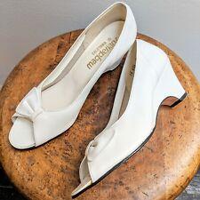 Vintage 1960s Magdesians California White Leather Peep-Toe Kitten Heels (Size 7)