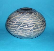 Honor Hussey Studio Jarrón de cerámica-Atractivamente decorado circular-totalmente marcada