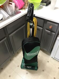 Bissell Commercial BGU8000 Commercial Lightweight Upright