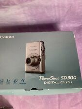 Canon PowerShot Digital ELPH SD300 4.0MP Digital Camera Kit