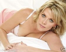 Amanda Tapping 8 x 10 / 8x10 GLOSSY Photo Picture