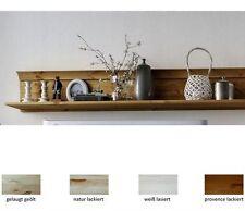Regale im Landhaus-Stil aus Kiefer für die Küche