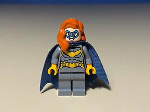 LEGO Super Heroes BatGirl Minifigure from 76160 (batman cape)