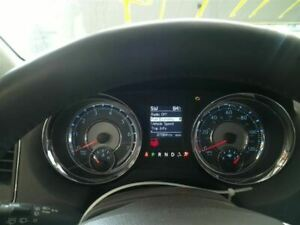 2015-2016 Chrysler TOWN & COUNTRY Speedometer Cluster 120 MPH