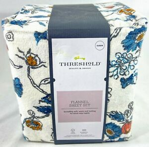 Threshold Floral Printed Flannel Sheet Set Queen Flat Fitted & 2 Pillowcases
