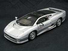 Maisto Jaguar XJ220 1:12 Silver