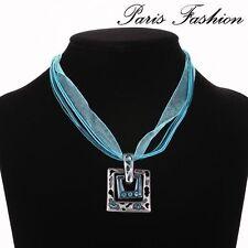 Modeschmuck-Halsketten aus Strass mit Türkis-Hauptstein