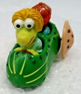 Vintage Jim Henson 1988 Muppets In Pickle Car with Cookie Wheels Toy Car